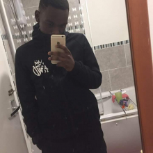 Male Student, JuniorChuma, seeking flatmate in London