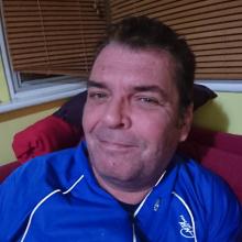 Male Professional, Chris, seeking flatmate in Gosport