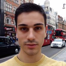 Male Professional, João, seeking flatmate in Stockwell