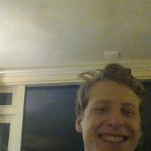 Male Professional, Johann, seeking flatmate in London