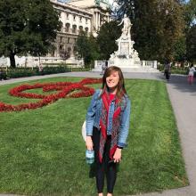 Female Professional, HayleyMardle, seeking flatmate in Wimbledon