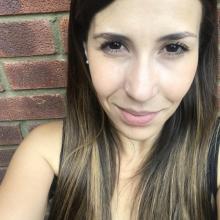 Female Professional, Paola, seeking flatmate in Old Toronto