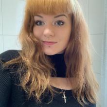 Female Professional, CharlotteGromowski Everett, seeking flatmate in Newbury