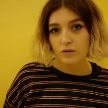 Female Professional, Chloe, seeking flatmate in North London