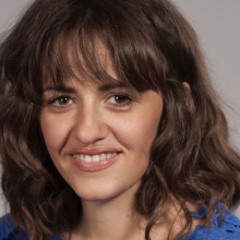 Female Professional, Nina, seeking flatmate in London