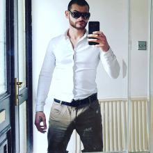Male Professional, Petyo, seeking flatmate in Finsbury Park