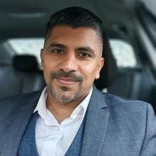 Male Professional, Rishi, seeking flatmate in East London