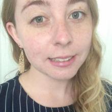 Female Professional, Josie, seeking flatmate in South London
