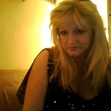 Female Professional, AnnetteMecklenburg, seeking flatmate