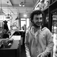 Male Professional, ArchieKnox, seeking flatmate in Battersea