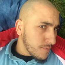 Male Professional, Sofiane, seeking flatmate in North London
