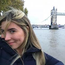 Female Student, MariaBeatriz, seeking flatmate in London