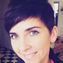 Female Professional, Beccy, seeking flatmate