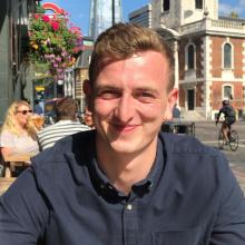 Male Professional, Aidan, seeking flatmate