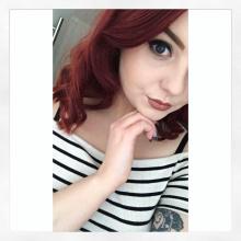 Female Professional, RobynnHackett, seeking flatmate in Leicester