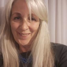 Female Professional, Frances, seeking flatmate