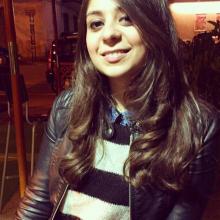 Female Professional, Lara, seeking flatmate in Zone 1