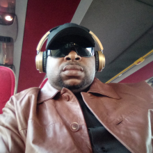 Male Freelancer/self employed, Julius OOsagie, seeking flatmate