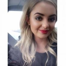 Female Professional, Emily , seeking flatmate in London, United Kingdom