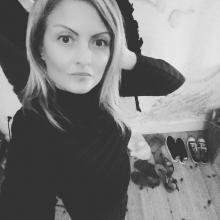 Female Professional seeking roomshare in North London