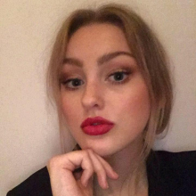 Female Student seeking roomshare in East London