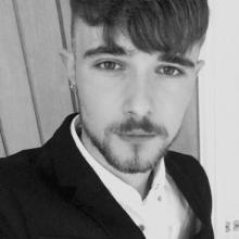 Male Professional seeking roomshare in SO30