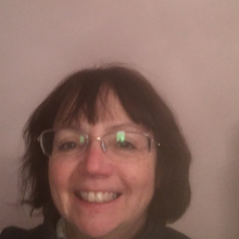 Female Professional, Judy, seeking flatmate