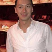 Male Professional, Steven, seeking flatmate