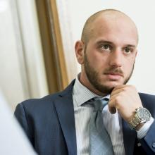 Male Professional, Cristian De Simone, seeking flatmate