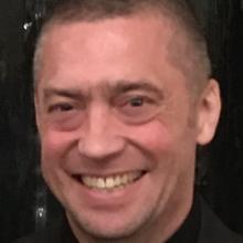 Male Professional, Gareth, seeking flatmate in South London