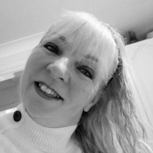 Female Professional, Susan, seeking flatmate