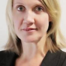 Female Professional, Angela, seeking flatmate