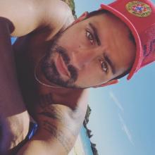 Male Professional, Carlos, seeking flatmate in Hackney