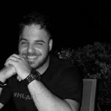 Male Professional, Panos, seeking flatmate in Leeds