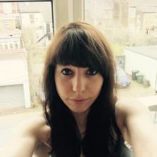 Female Professional, Miriam, seeking flatmate in East London