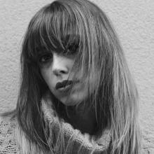 Female Professional, Nikki, seeking flatmate in London