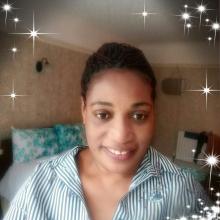 Female Freelancer/self employed, Carol, seeking flatmate