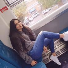 Female Student, Carolina, seeking flatmate in London