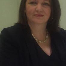 Female Professional, Theresa, seeking flatmate in London