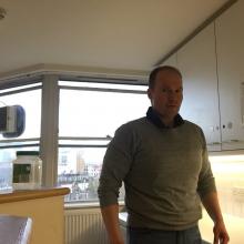 Male Professional seeking roomshare in East London