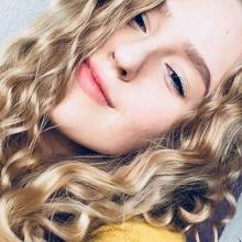 Female Student, Emilia, seeking flatmate in City Of Edinburgh