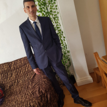 Male Professional, Raj, seeking flatmate in Clapham Junction