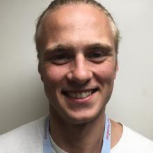 Male Professional, Rhys, seeking flatmate in East London