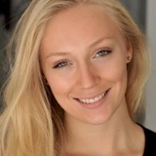 Female Professional, Amdcheve, seeking flatmate in Notting Hill